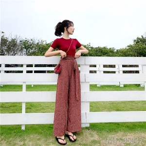 2019 new wild short T-shirt + pleated lace wide-leg pants