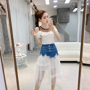 2019 new fashion and playful leaking shoulder mesh skirt two-piece