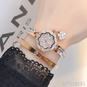Explosion models Marshall petals full of rhinestones fashion trend temperament bracelet watch