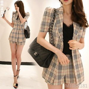 2019 new two-piece temperament ladies short-sleeved fashion OL plaid suit