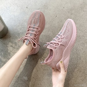 2019 summer new breathable flying sneakers