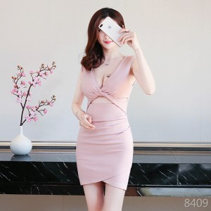 Sexy low-cut umbilical hip-sleeved dress