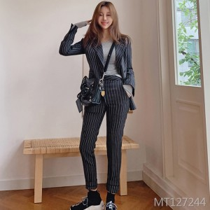 083#2019 autumn and winter new Korean version of the temperament two-piece suit Slim striped suit jacket fashion pants suit women