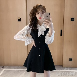 Lace trumpet sleeve bow black dress
