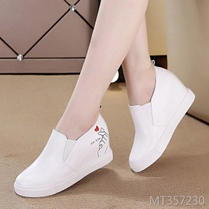 Breathable leather girls shoes increased sports shoes
