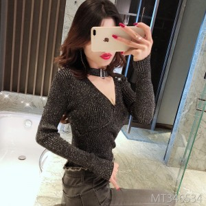 Tight-fitting low-cut knit long-sleeved sweater with bright silk tops