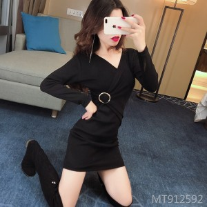 Sexy nightclub short skirt V-neck ring waist knit dress