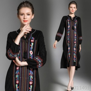 Embroidered long-sleeved slim suede high-end dress in a long skirt