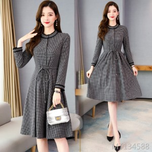 New women's waist was thin long-sleeved dress base