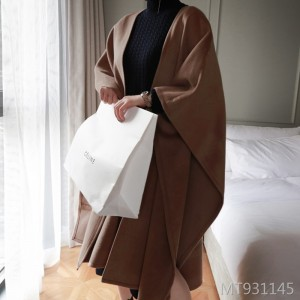 Mid-length cape woolen coat with thick lace