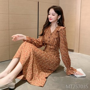 Real shot in stock 2020 early spring net red orange flower dress female high waist temperament long skirt V-neck skirt