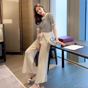 Knit T-shirt + cropped wide-leg pants